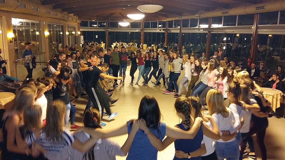Μαθήματα Ελληνικών Χορών